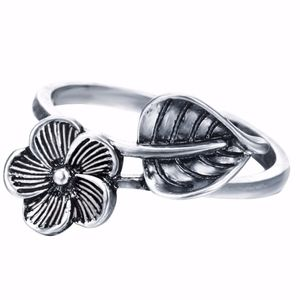 Jewelry - Antique Silver Leaf Flower Open Ring